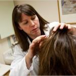 Как дерматолозите диагностицират косопад