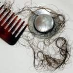 Защо косата пада, когато се мием?