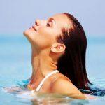 Как морската вода влияе върху косата?