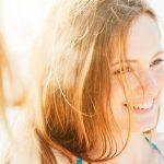Как слънцето вреди на косата ни
